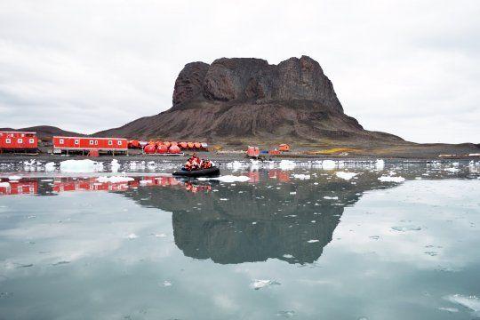 Cada 22 de febrero se conmemora el Día de la Antártida Argentina