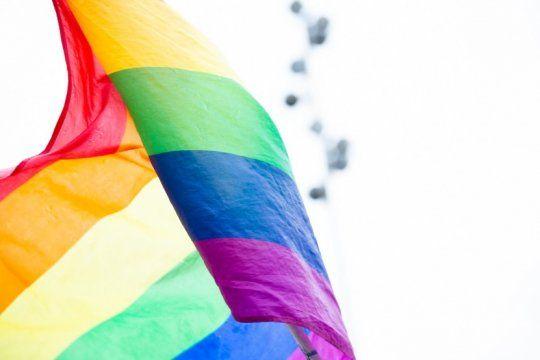 en el dia del orgullo, la comunidad lgtbiq sale a la calle: ?seguimos luchando, resistiendo y militando?