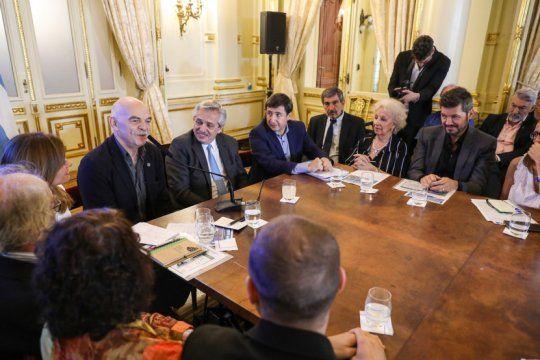 la mesa contra el hambre se reune con el foco en la recuperacion pospandemia