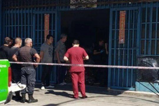 mafia china: esta vez balearon en la pierna a un comerciante oriental