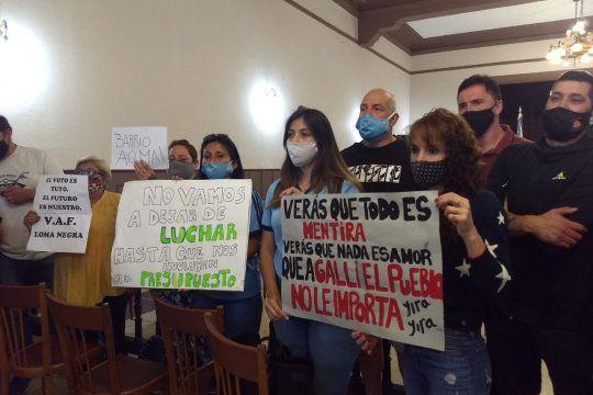 Vecinos de Olavarría protestaron contra la gestión de Galli.