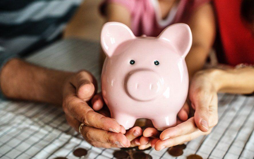 Adolescentes desde los 13 años podrán abrir cajas de ahorro sin autorización de sus padres