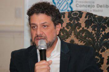 El precandidato a intendente de La Plata, Luis Arias, aclaró que la ley ampara la toma de tierras.