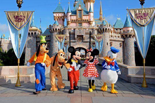 Despidos en Disney: son 28 mil los trabajadores que quedarán afuera de los parques.