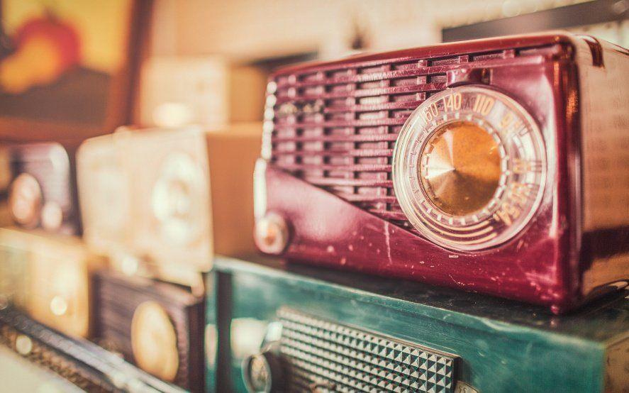 Un siglo de radio: un festejo a 100 años de su nacimiento en Argentina