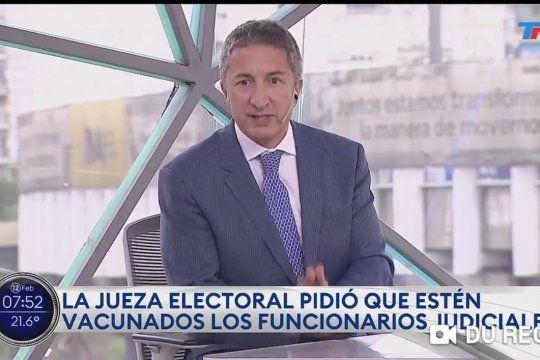 El periodista del Grupo Clarín, Adrián Ventura fie repudiado por empleados judiciales