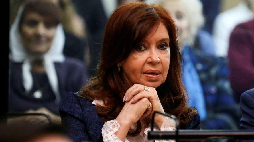 Cristina criticó la decisión de la Corte que habilita las clases presenciales en CABA