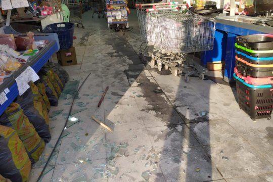 asi opera la mafia china en la plata: dejaron terror y dos personas lesionadas