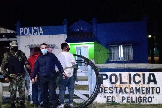 Los dos detenidos en el barrio El Peligro de La Plata y los cables robados