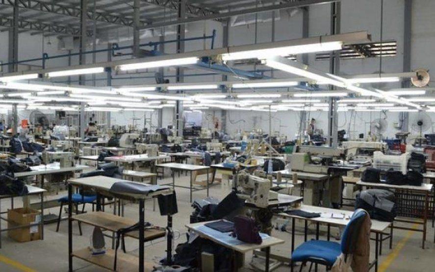 Otra textil en crisis: Trabajadores de J&S denuncian que la empresa pagará indemnizaciones del 30%