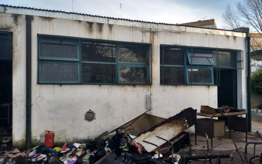 En La Plata, la Municipalidad gasta más de un millón por mes para reparar escuelas vandalizadas