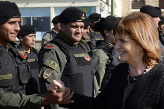 en medio de la polemica, bullrich crea un ?suplemento salarial? para gendarmeria, prefectura naval y policia federal