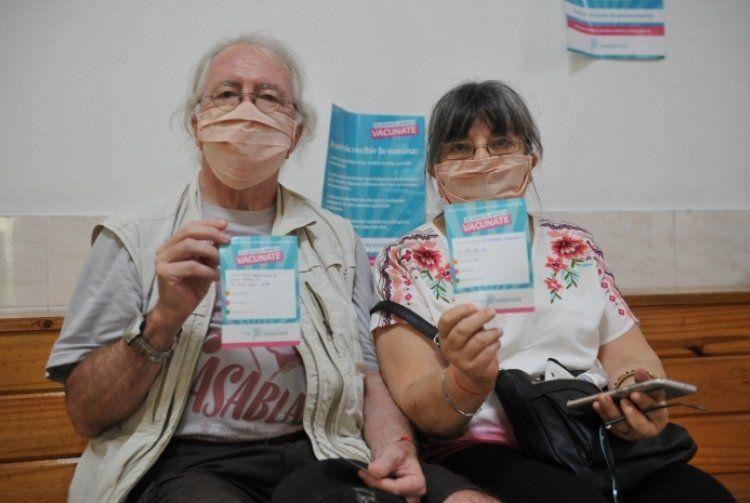 El plan de vacunación para mayores de 60 años continúa esta semana