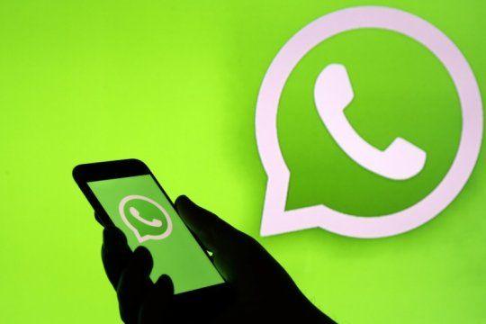por un fallo de seguridad de whatsapp se filtraron mas de 300 mil numeros de celular en google