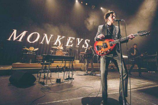 """Arctic Monkeys ha publicado hoy un álbum, """"Live At The Royal Albert Hall"""", que recoge todo el material interpretado ese inolvidable 7 de junio."""