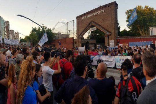 el deporte argentino salio en defensa de su templo bajo el lema ?salvemos al cenard?