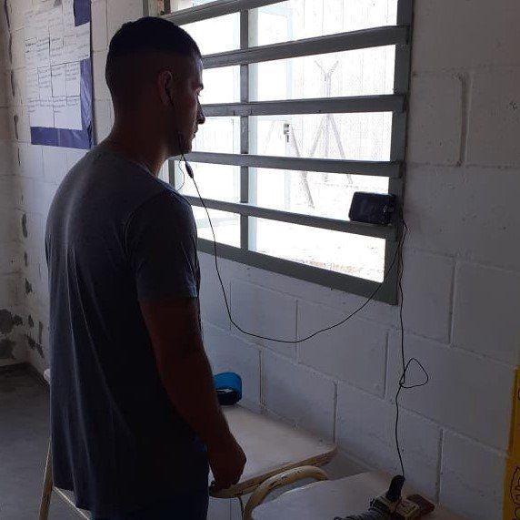 Cristian se convirtió en el primer preso en rendir un examen universitario en la cárcel de Urdampilleta