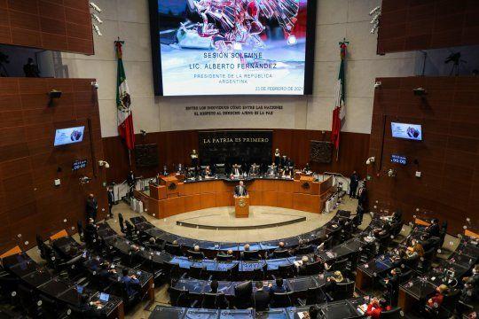 El presidente, Alberto Fernández, pasó por la Cámara de Senadores de México