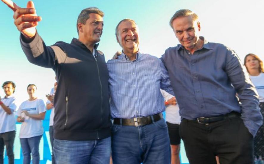 """Massa cerró el encuentro de Alternativa Federal y pidió lograr una """"mayoría"""" que frene a Macri"""