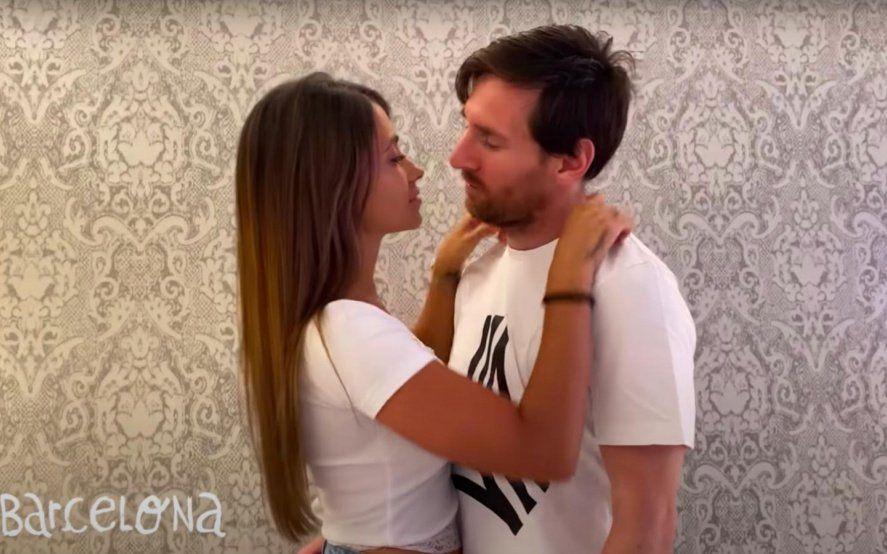 Desde Lionel Messi hasta Ricky Martín, mirá todos los besos del nuevo tema de Residente