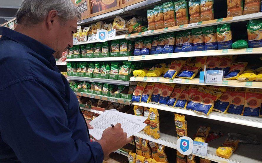Legisladores salieron a controlar Precios Cuidados y expusieron incumplimientos de Carrefour, Walmart, Día, Vea y Coto