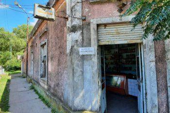La fachada del viejo almacén El Pato, en Brandsen