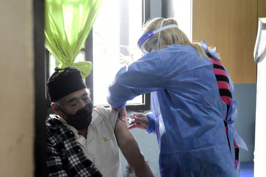 En La Plata ya se aplicaron más de 23 mil dosis de la vacuna antigripal.