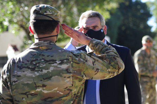 Rossi explicó que las Fuerzas Armadas colaborarán con hospitales militares