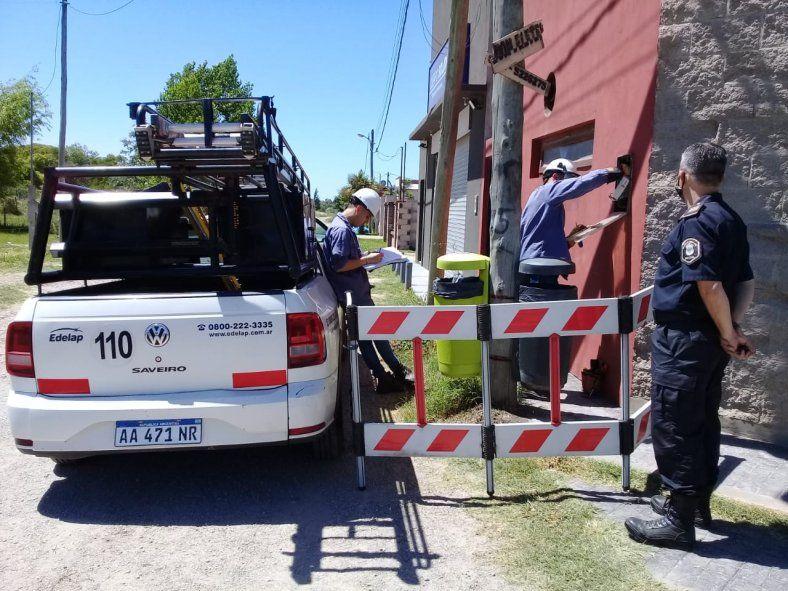 Desmantelan conexiones clandestinas y medidores adulterados en La Plata