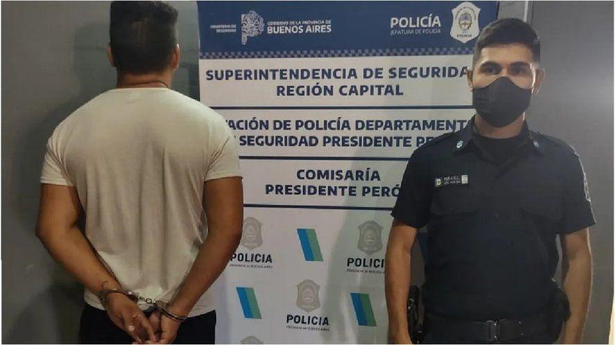 Un policía