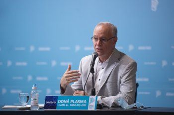 El ministro de Salud bonaerense, Daniel Gollán, aclaró que la vacuna rusa Sputnik V será aprobada para mayores de 60 años.