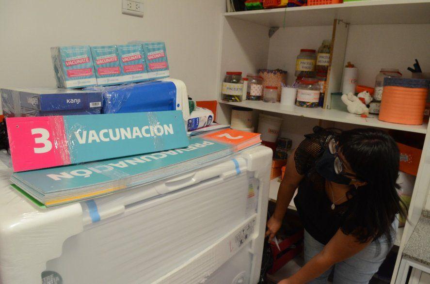 Provincia contará con 350 escuelas y 2 mil geriátricos para la vacunación masiva en febrero