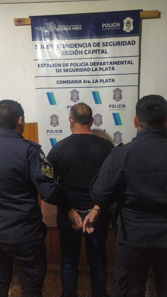 El agresor, de 57 años, fue detenido en La Plata