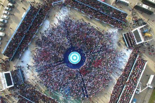mas de 6 mil alumnos de tigre realizaron la promesa de lealtad a la bandera argentina