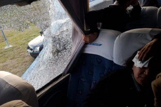 piedrazos en la autopista: aseguran que la empresa concesionaria debe responder por los danos