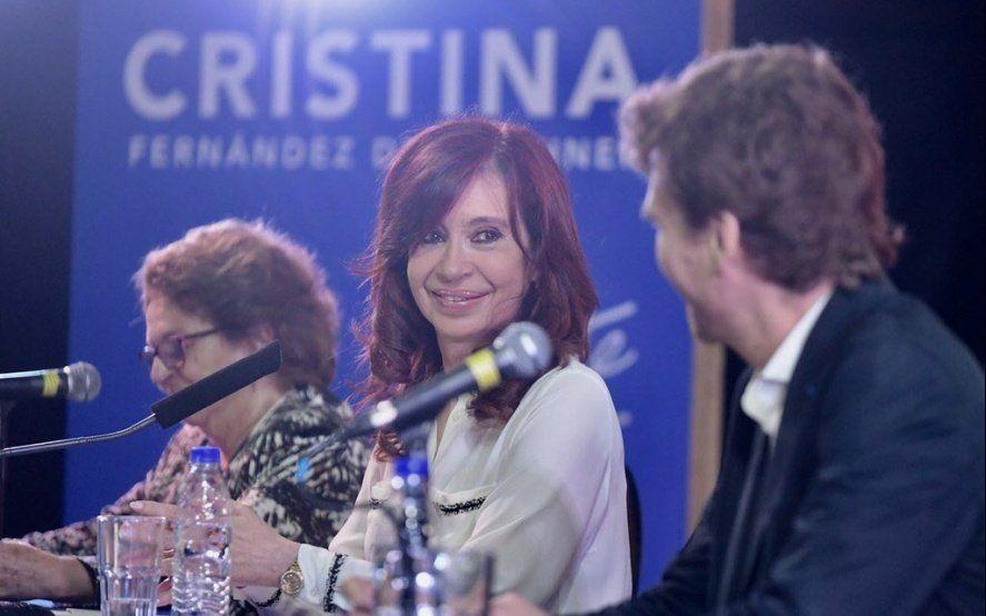 Seguí en vivo la presentación del libro de CFK en Santa Cruz