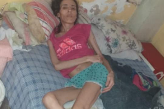 vecinos de san miguel le piden ayuda urgente al municipio ante el abandono de una mujer