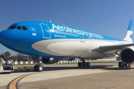 aerolineas argentinas dio detalles de sus vuelos especiales y sumo dos mas para repatriar argentinos