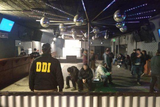 tres detenidos por trata de 14 personas en un boliche de florencio varela