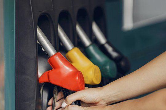 empresarios presionan para que se concrete el aumento de combustibles