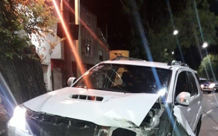 Persecución, tiros y la camioneta de un fiscal chocada en un confuso procedimiento en La Plata