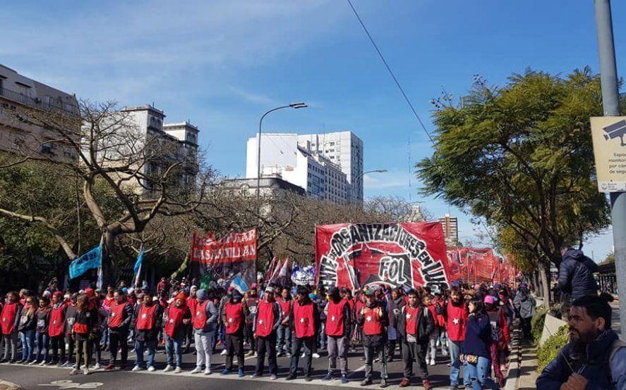 Organizaciones sociales acampan en el Ministerio de Desarrollo Social y exigen respuestas de Stanley