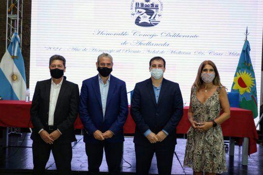 Alejo Chornobroff inauguró las sesiones del Concejo en Avellaneda bajo la atenta mirada de Jorge Ferraresi.