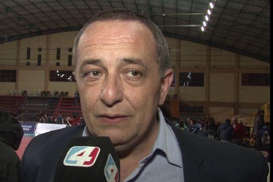 El mosquito José Montesano: el relator que se volvió tendencia por su energía en las madrugadas tiene una dura historia detrás.