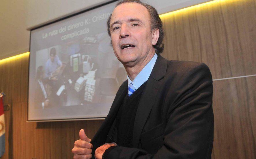 Declaró Santoro: el periodista de Clarín buscó despegarse de D´Alessio, pero los chats lo comprometen