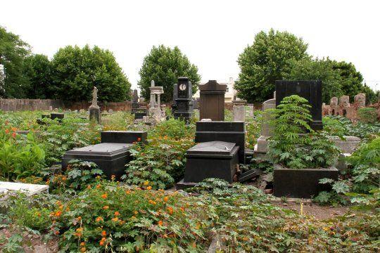 La historia oculta del cementerio de Avellaneda que incluye trata de mujeres