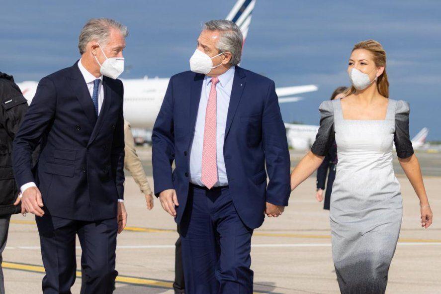 Continúa la gira: Alberto Fernández ya está en París