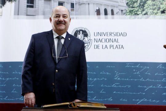 El presidente de la UNLP cosecha casi una decena de distinciones