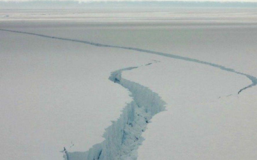 Un iceberg gigante puede desprenderse de la Antártida y afectar una base histórica