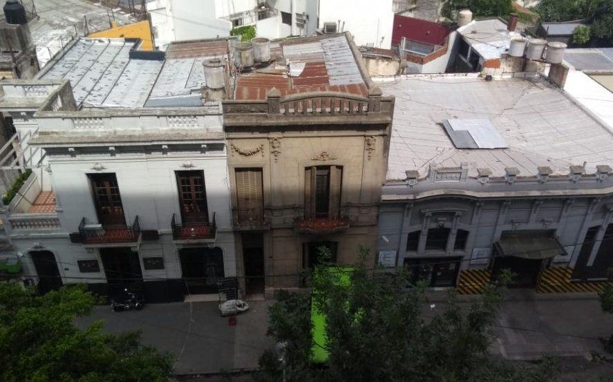 Vecinos denuncian la presencia de un nido de ratas en pleno centro de La Plata